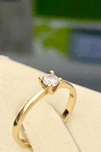 Káprázatos 14 karátos arany gyűrű cirkónia kővel