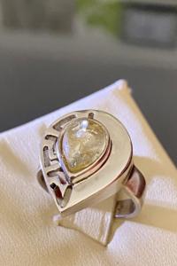 Kivételes ezüst gyűrű ritka világos borostyán díszítéssel