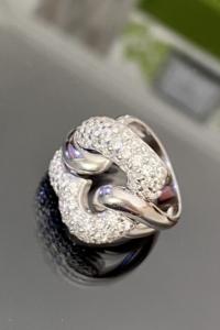 Káprázatos, egyedi, Masszív, ezüst gyűrű cirkónia kövekkel ékesítve